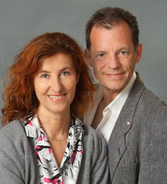 "Author's Photo of Ursula Demarmels and Univ.-Prof. Dr. Gerhard W. Hacker for the book ""Die neue Dimension der Gesundheit"" (The New Dimension of Health). (c) Fotostudio R. Haidenthaler, Berndorf, SüdWest-Verlag and Prof. Hacker/Ursula Demarmels"
